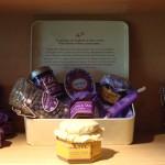 Notre boîte ovale à la violette et produits de la Maison de la Violette